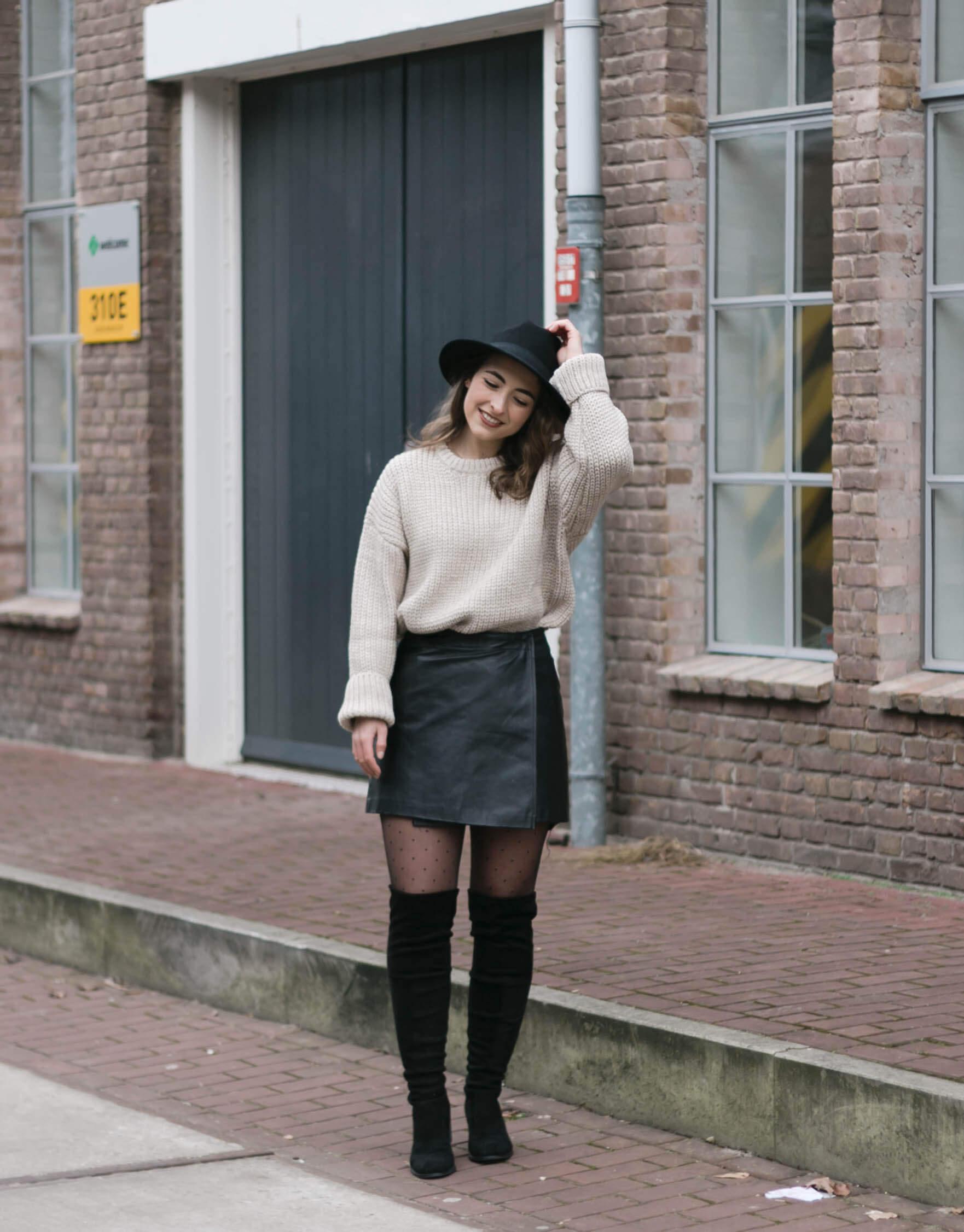 Outfitfoto's met mijn nieuwe oversized trui