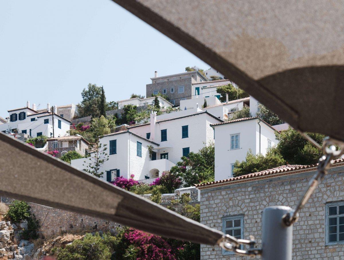 10 foto's waardoor je nu naar het Griekse eiland Hydra wilt
